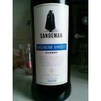 Вино Sandeman Sherry Medium Sweet (0,75 л)