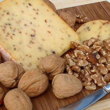 Сыр Landana Walnut (с грецким орехом)