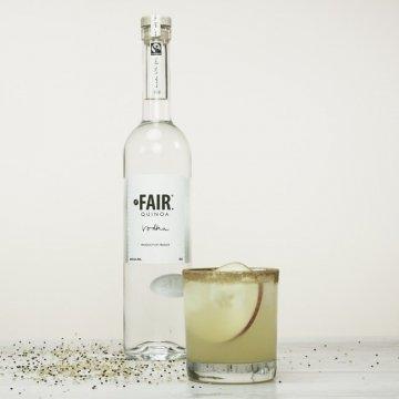 Водка Fair Quinoa Vodka, gift box (0,7 л.)