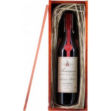 Коньяк Armagnac Castarede, wooden box, 1985 (0,7 л)