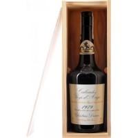 Водка Calvados Coeur de Lion Pays d'Auge, wooden box, 1979 (0,7 л)