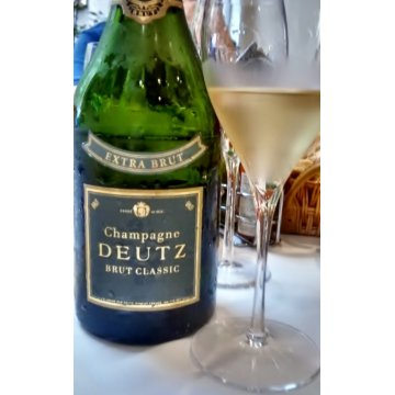 Шампанское Deutz Brut Classic Extra Brut (0,75 л)