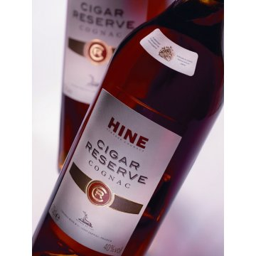 Коньяк Hine Cigar Reserve, gift box (0,7 л)