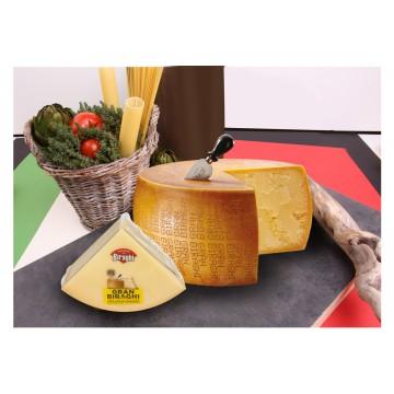 Сыр Gran Biraghi тертый 12/14 мес. (100 г)