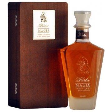Водка Berta Magia, wooden box (0,7 л)