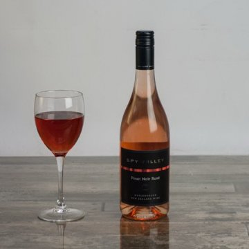 Вино Spy Valley Pinot Noir (0,75 л)