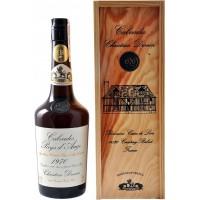 Кальвадос Christian Drouin Calvados Pays d'Auge, 1970, wooden box (0,7 л)
